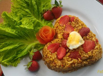 Nasi Goreng Strawberry Spesial Valentine