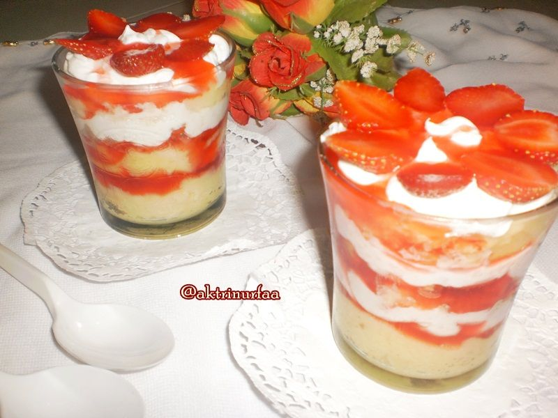 Strawberry Cheesecake In Jar